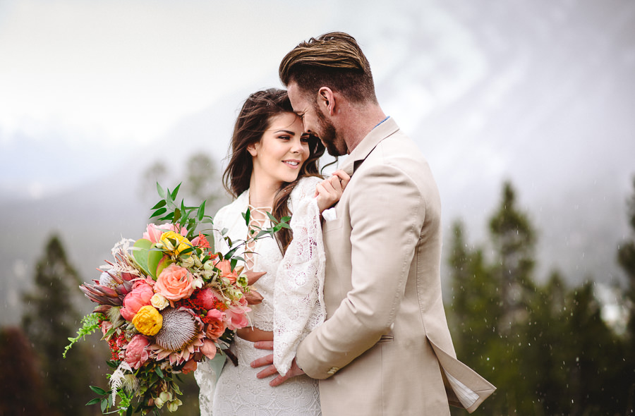 3 tips for dealing with rain on your wedding day jessilynn wong rain on your wedding day is said to be good luck so if it rains try to no let it dampen your spirits junglespirit Image collections