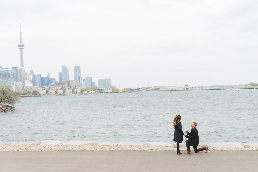 Toronto-proposal-photographer-downtown-toronto-proposal
