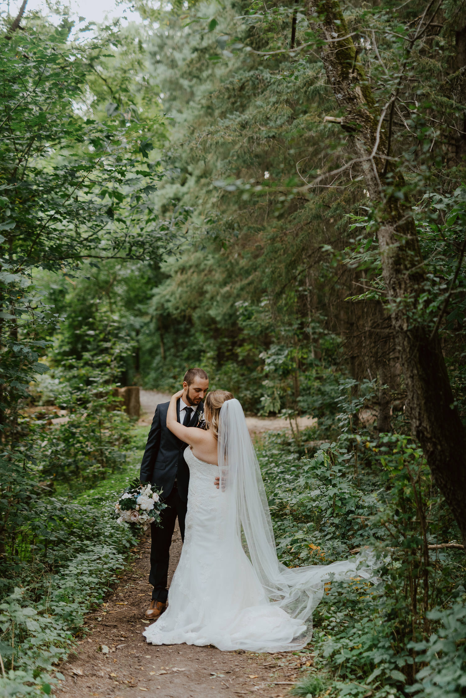 Toronto-wedding-photographer-kortright-centre-wedding