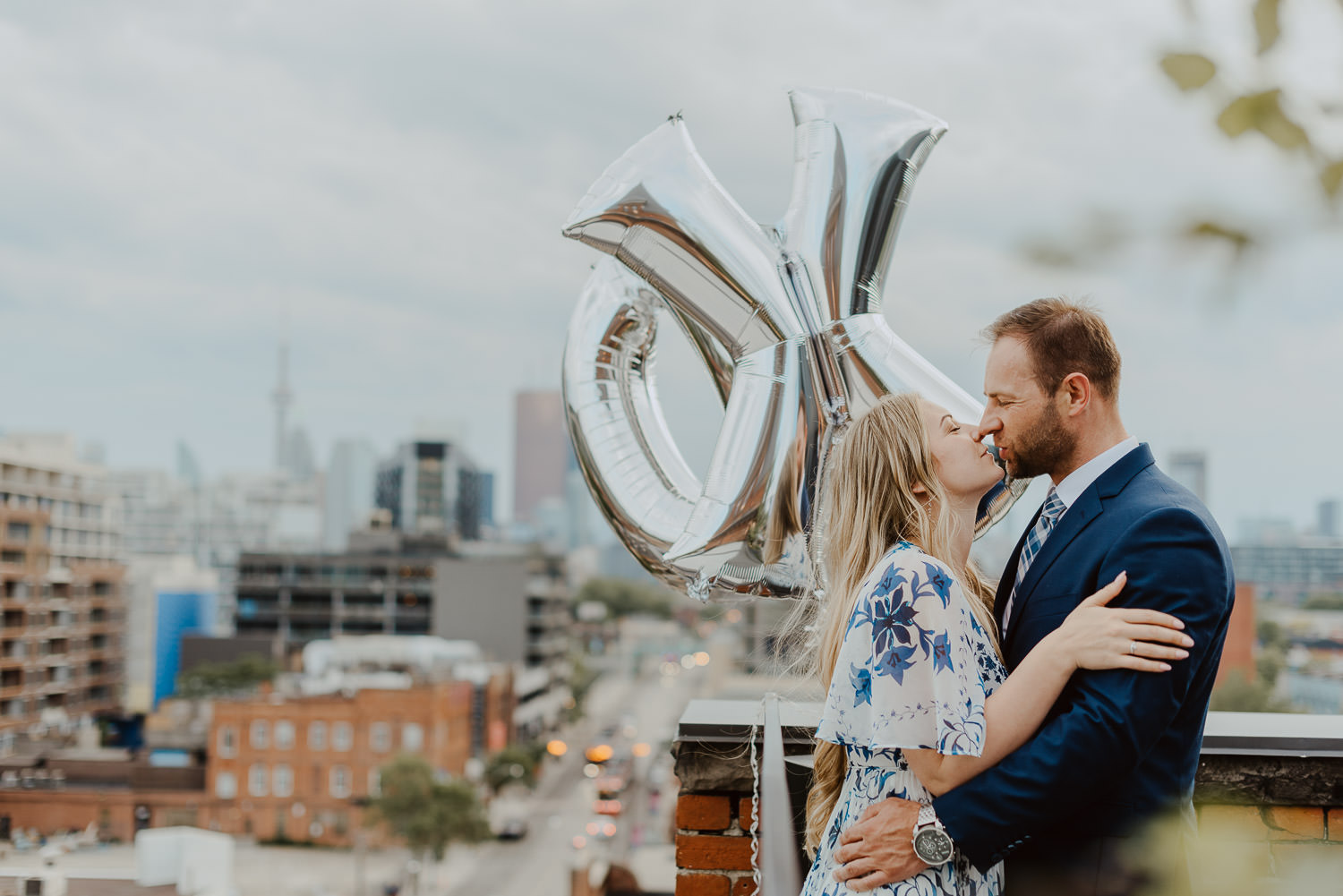 Toronto-proposal-photographer-Broadview-Hotel-Surprise-Proposal